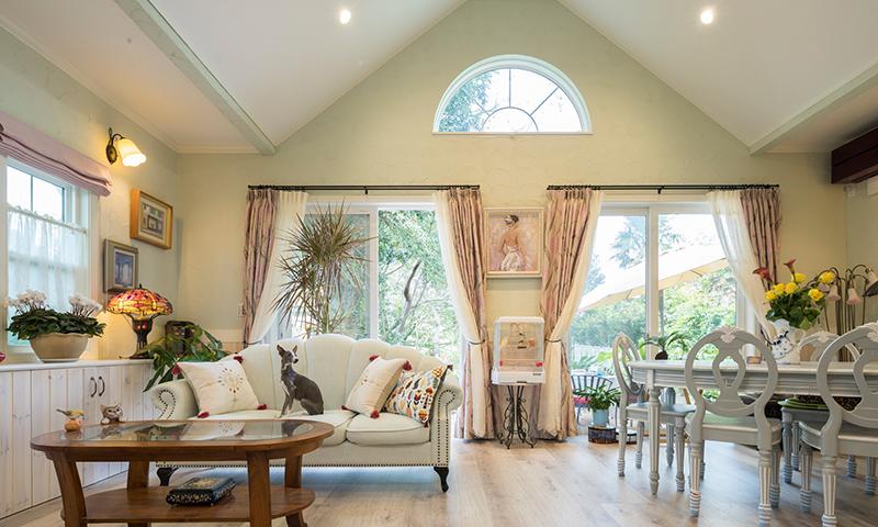 大自然に似合う平屋の輸入住宅、美しい四季を楽しむお住まい