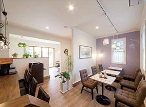 ロビンスジャパンのカフェや店舗の施工建築実例をご案内します。