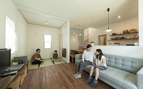 ロビンスジャパン リビング階段が家族を繋ぐ 内装