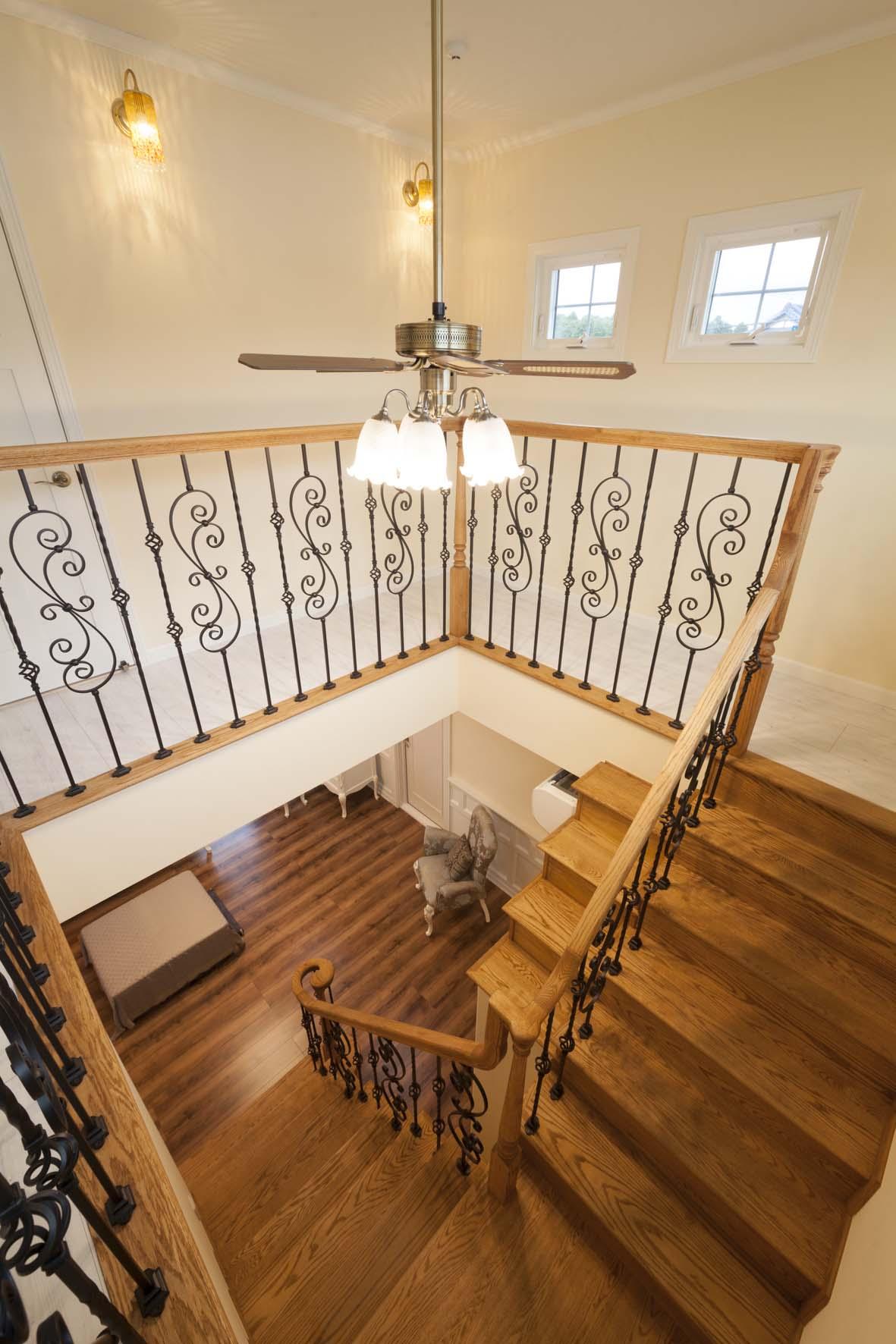 階段アート-LJスミス ロートアイアンバラスター